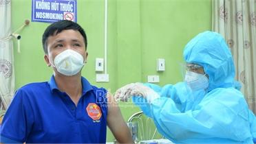 Gần 370 thương nhân, lái xe tại huyện Lục Ngạn được tiêm vắc xin phòng Covid-19