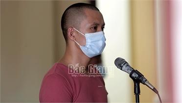Bắc Giang: Chống người thi hành công vụ tại chốt kiểm dịch, lĩnh án 30 tháng tù