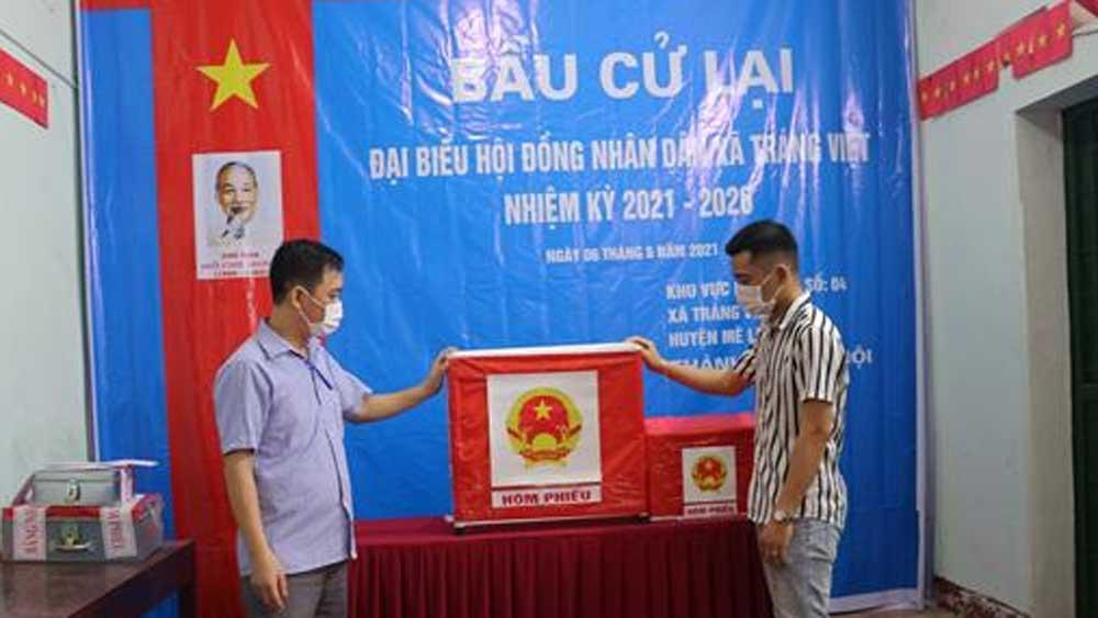 Hà Nội, Kỷ luật Đảng , Phó Bí thư Thường trực Đảng uỷ xã Tráng Việt, mang 75 phiếu về nhà tự gạch, ông Nguyễn Xuân Hùng