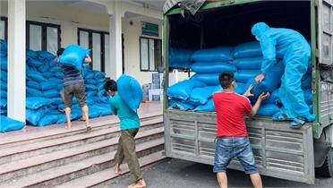 """Chiến dịch tiếp tế cho 67.000 công nhân ở tâm dịch Bắc Giang- Kỳ 1: """"Đêm trắng"""" lo đưa hàng cứu trợ"""