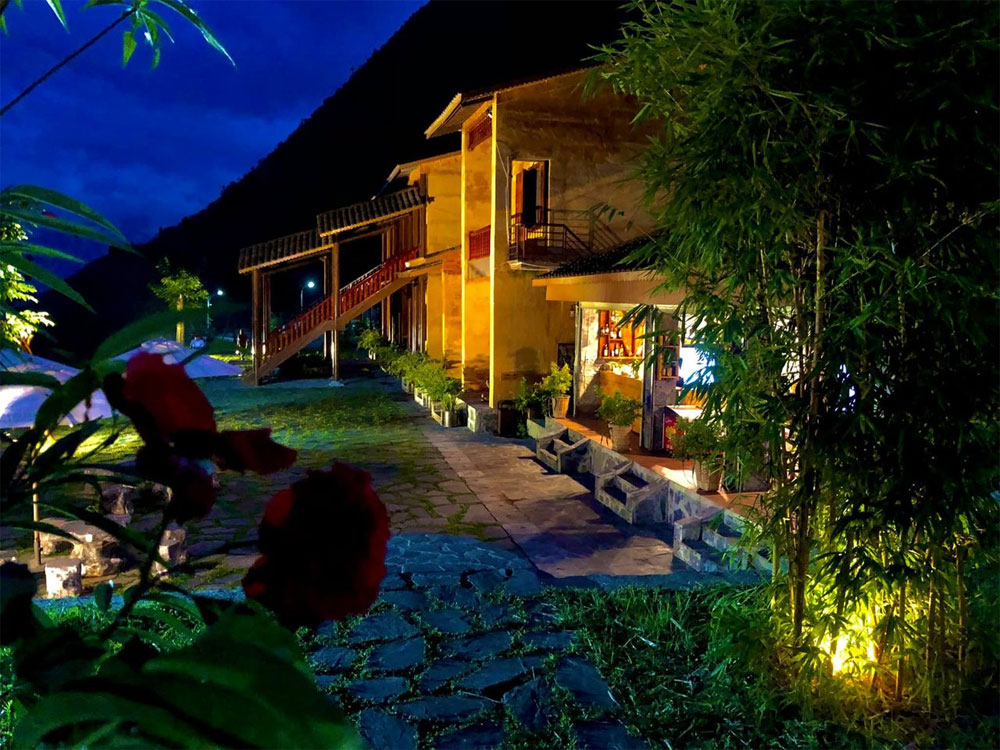 Rattan basket resort, northern mountainous region, Ha Giang province, rows of bungalows, indispensable part, ethnic Hmong life
