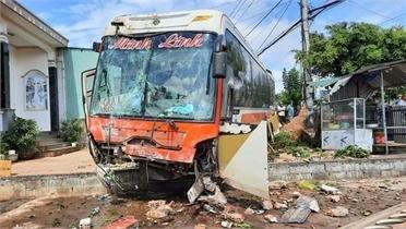 Đắk Lắk: Tai nạn giao thông nghiêm trọng khiến nhiều người thương vong