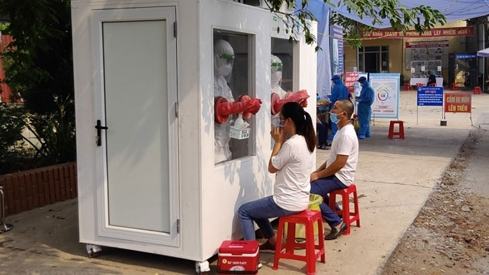 Heat-resistant, Covid-19 testing chambers, put into operation, facilitate frontliners, air-conditioned chamber,  Bac Giang province