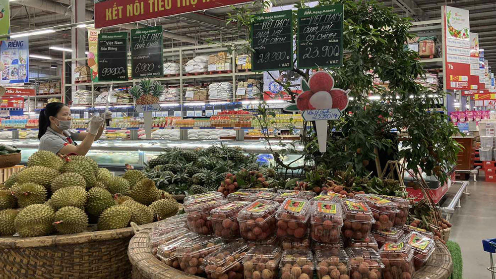 Bac Giang lychees, numerous big supermarkets, consumption promotion teleconference, Bac Giang province, Center of Trade Promotion, domestic market, export market