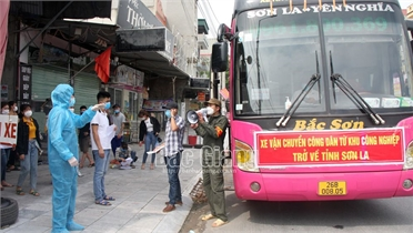 Cùng Bắc Giang chống dịch, Sơn La đón công nhân về quê