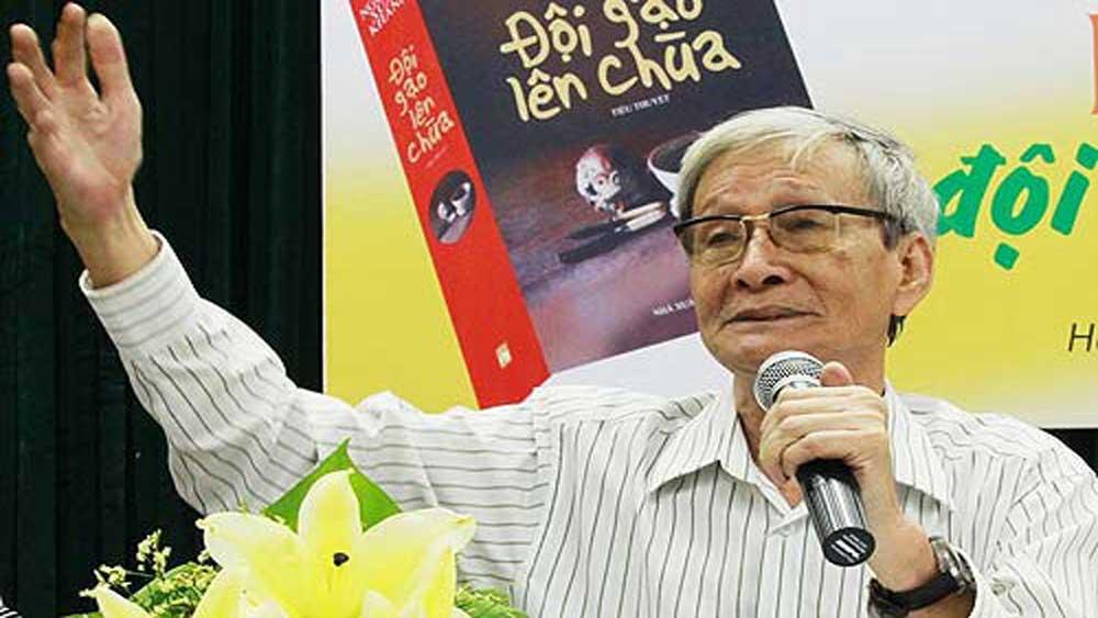 Nhà văn Nguyễn Xuân Khánh, qua đời