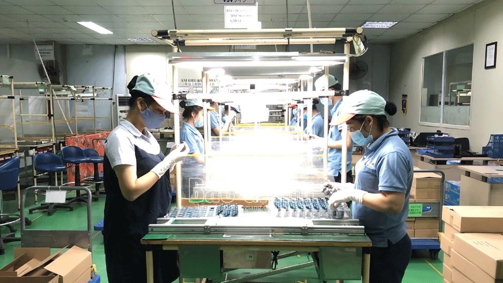 Bắc Giang: Doanh nghiệp  bảo đảm phòng dịch cho công nhân để khôi phục sản xuất ổn định