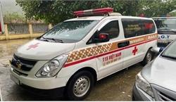 Thu 300.000 đồng/người, xe cứu thương 'nhét' 12 người ở Bắc Ninh về Sơn La