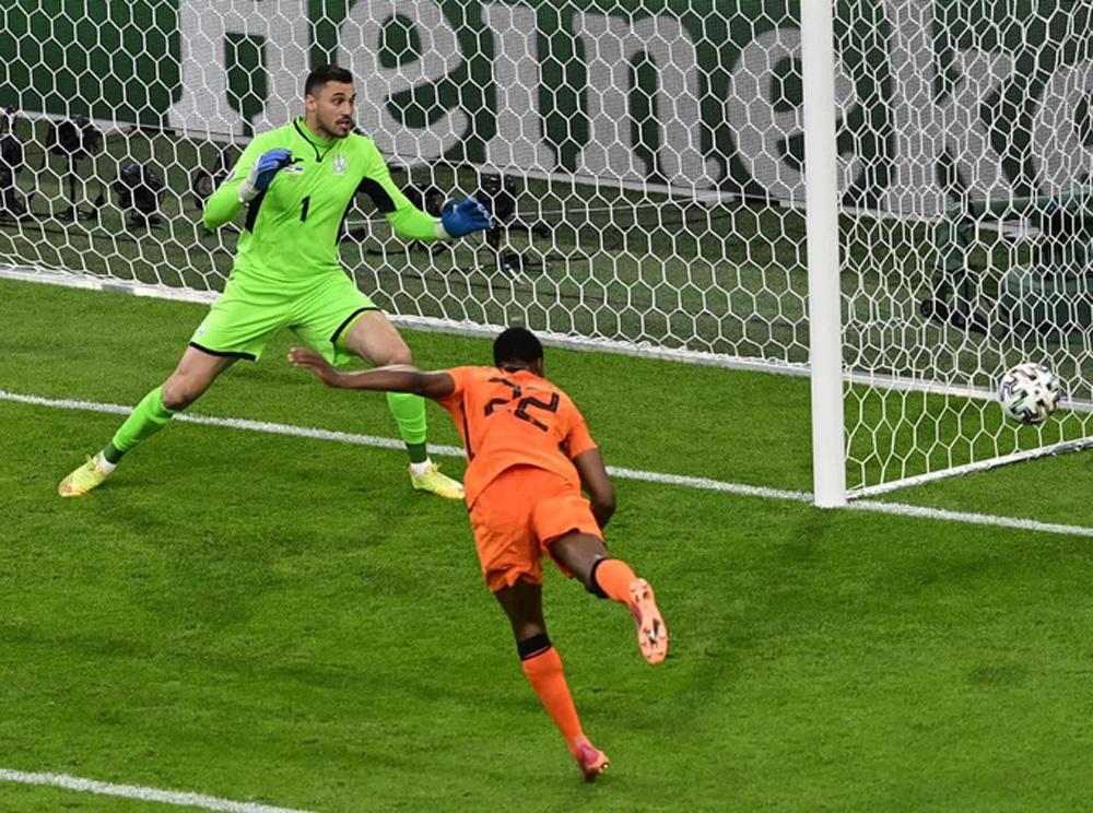 đội tuyển bóng đá Hà Lan,Shevchenko,đội tuyển bóng đá Ukraine,Denzel Dumfries