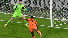 EURO 2020: Hà Lan thắng sau màn rượt đuổi kịch tính