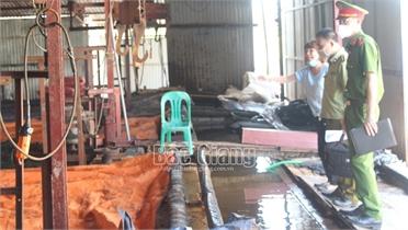 Lục Ngạn thành lập các tổ liên ngành kiểm tra sản xuất, kinh doanh thùng xốp, đá cây