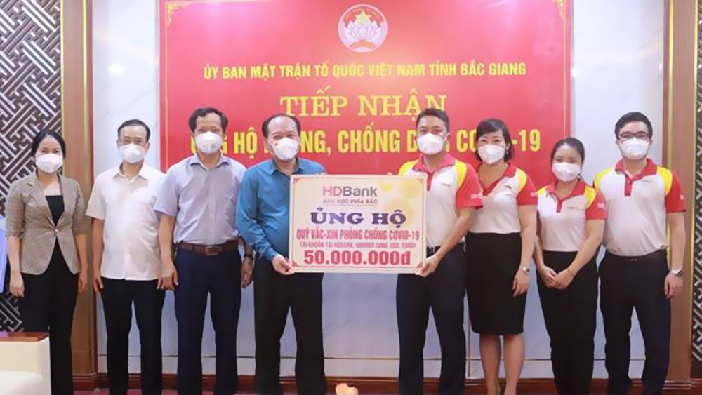 HDBank Chi nhánh Bắc Giang ủng hộ Quỹ Vắc xin phòng, chống Covid-19