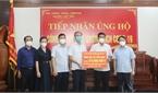 Phó Bí thư Thường trực Tỉnh ủy Lê Thị Thu Hồng tiếp nhận kinh phí ủng hộ PCD tại Việt Yên