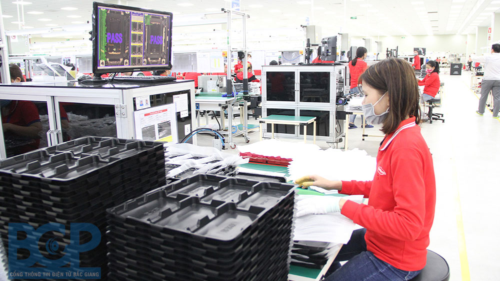 Bac Giang province, supports businesses, industrial parks, recover production, Covid-19 pandemic, concentrated accommodation, quarantine areas, Covid-19 preventive measures