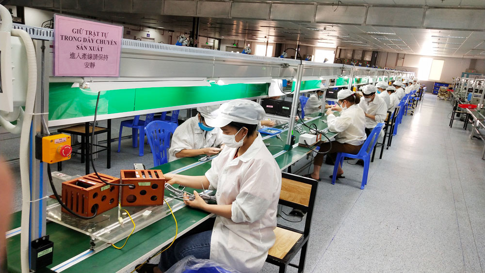 Each business, Bac Giang province, fortress against pandemic, Covid-19 pandemic, Industrial park, and stable development