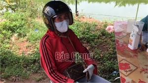 Bắc Giang: Không được qua chốt kiểm dịch, shipper hành hung cán bộ