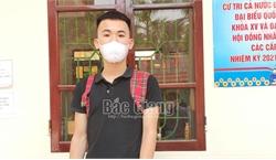 Bắc Giang: Bị phạt 4,5 triệu đồng vì không đeo khẩu trang, cầm đao múa quay video đưa lên mạng