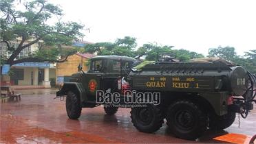 Lực lượng phòng hóa Quân khu 1 khử khuẩn toàn bộ huyện Lục Ngạn