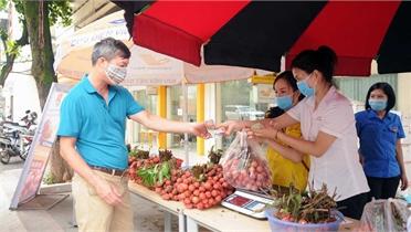 Tuổi trẻ Sơn La chung tay góp sức tiêu thụ vải thiều Bắc Giang