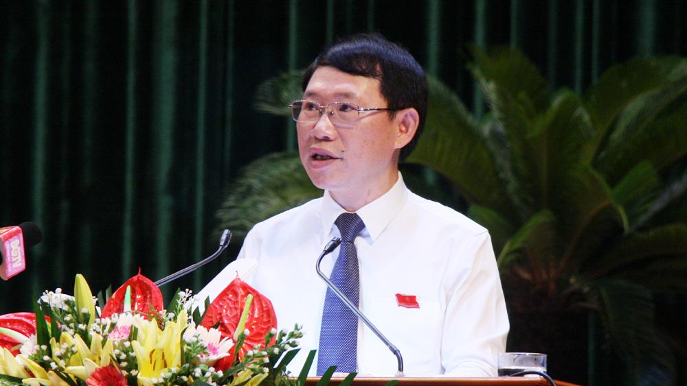 Đồng chí Lê Ánh Dương phát biểu nhận nhiệm vụ tại kỳ họp.