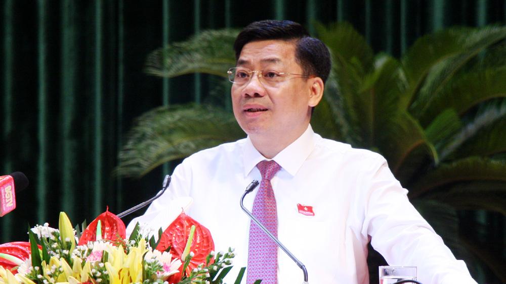 Đồng chí Dương Văn Thái phát biểu khai mạc kỳ họp.