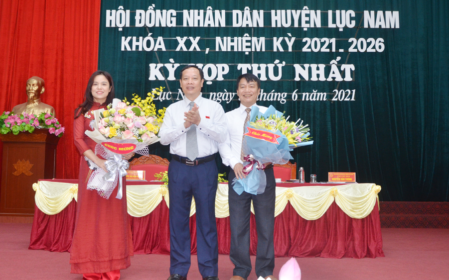 Bí thư Huyện ủy Lục Nam Nguyễn Thị Kim Dung  được bầu làm Chủ tịch HĐND huyện