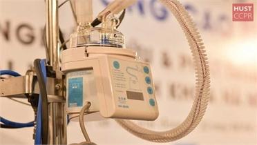 Việt Nam chế tạo thành công máy oxy dòng cao điều trị Covid-19