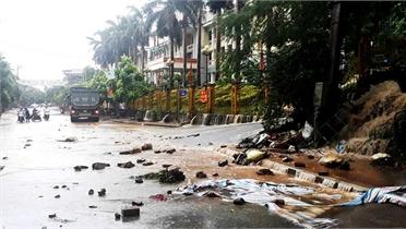 Thành phố Lào Cai ngập nặng do mưa lớn