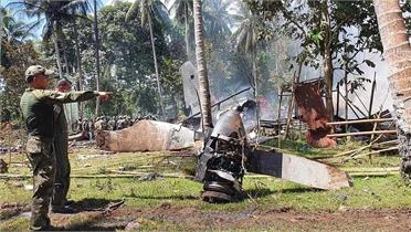 Vụ máy bay rơi ở Philippines: Tìm được một hộp đen của máy bay