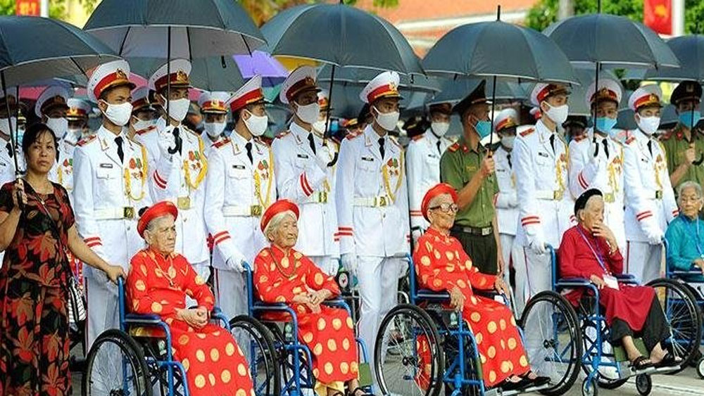 President, decides on gifts, revolution contributors, war invalids, martyrs' day, rendered services