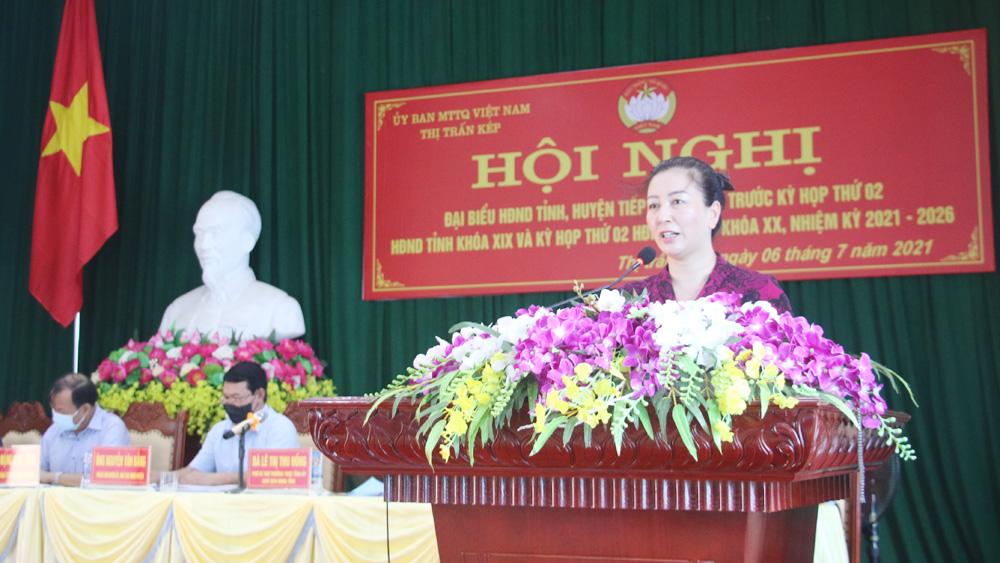 Đồng chí Lê Thị Thu Hồng tiếp xúc cử tri huyện Lạng Giang