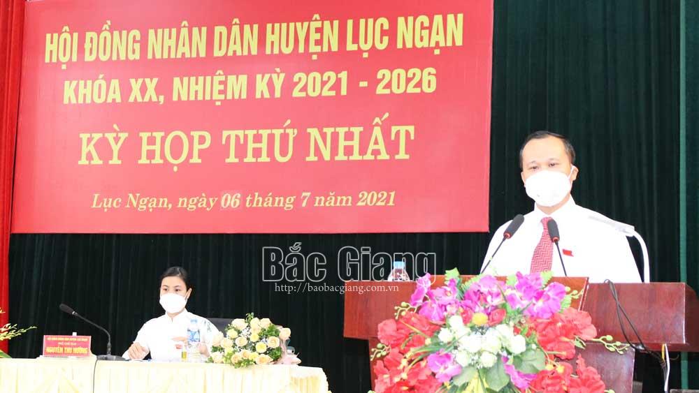 Bí thư Huyện ủy Nguyễn Việt Oanh được bầu làm Chủ tịch HĐND huyện Lục Ngạn