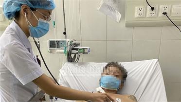 Bắc Giang: Cấp cứu 2 trường hợp sốc phản vệ do ăn ve sầu