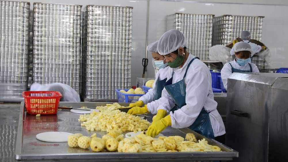 30 công nhân, nghi bị ngộ độc thực phẩm,  bữa chiều