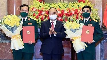 Chủ tịch nước trao quyết định thăng quân hàm Đại tướng và Thượng tướng cho hai lãnh đạo Bộ Quốc phòng