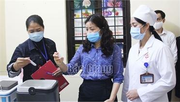 Bắc Giang: Tiêm vắc-xin để chủ động phòng ngừa, đẩy lùi dịch bệnh Covid-19
