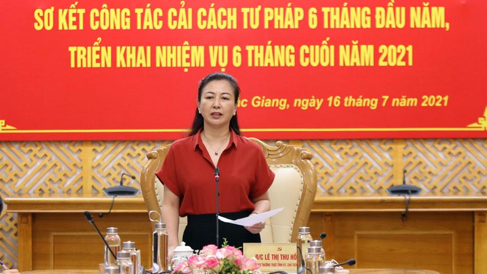 Đồng chí Lê Thị Thu Hồng phát biểu tại hội nghị.