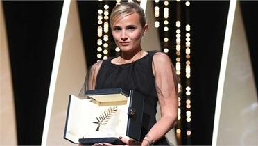 Giải Cành Cọ Vàng lần thứ hai trao cho nữ đạo diễn