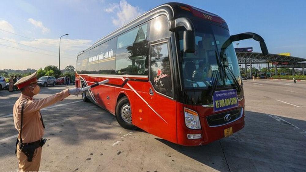 Hanoi suspends public transportation to 37 localities