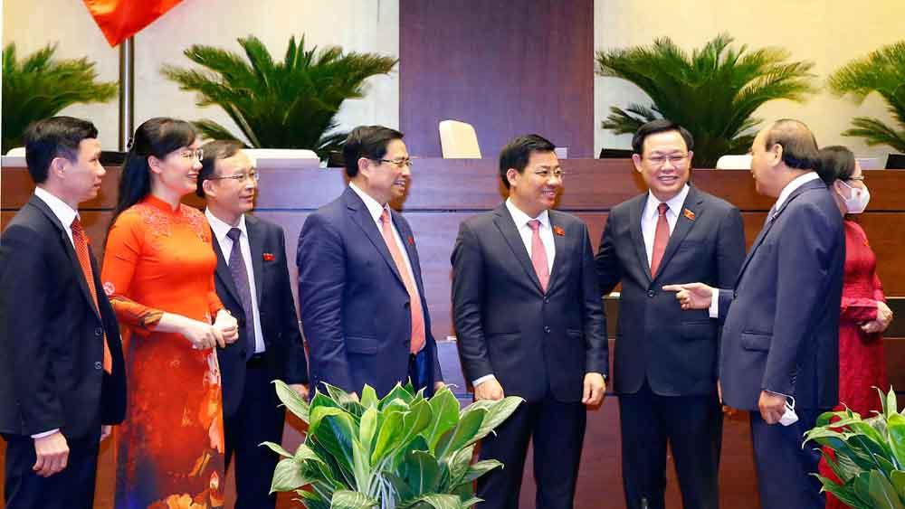 Các đồng chí lãnh đạo Đảng, Nhà nước với Đoàn ĐBQH tỉnh Bắc Giang.