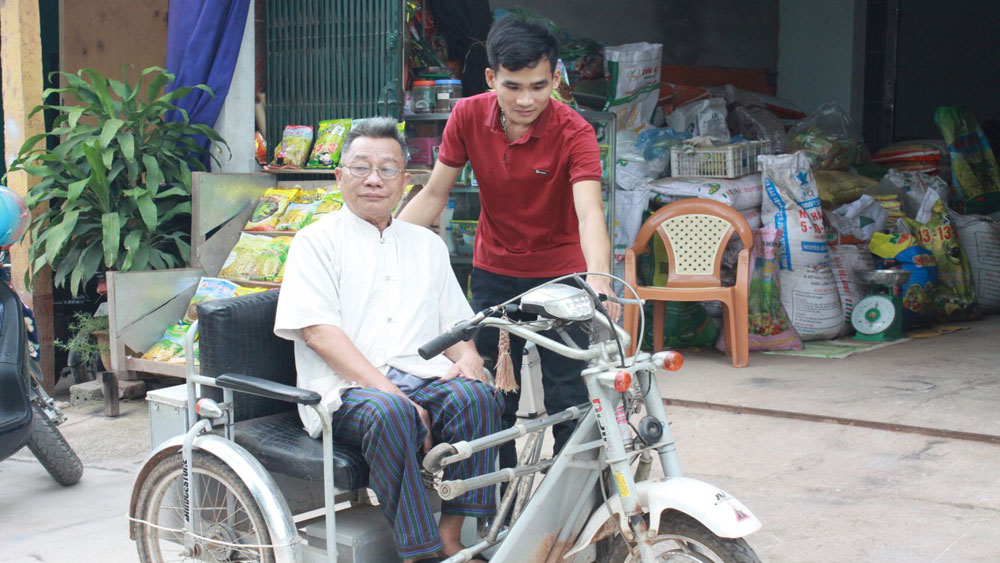 Start-up, electronic wheelchair, Bac Giang province, Phung Thanh Tuyen, elderly and disabled people, product brand