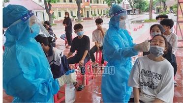 Bắc Giang: Xét nghiệm Covid-19 cho cán bộ, giáo viên, thí sinh trước kỳ thi lớp 10