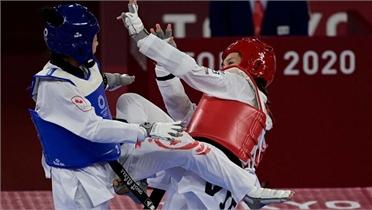 Kim Tuyền hạ võ sĩ Canada; thua ngược võ sĩ Thái Lan