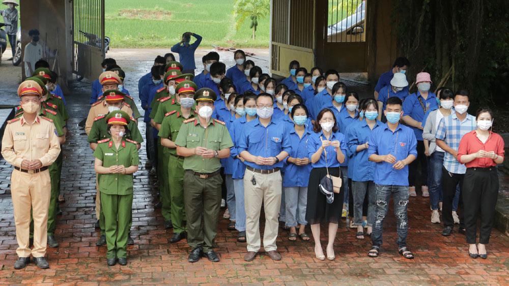 Thanh niên, phụ nữ Báo Bắc Giang, Công an Lạng Giang tri ân người có công