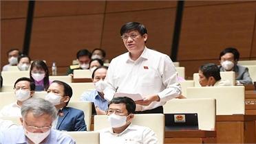 Bộ trưởng Bộ Y tế báo cáo Quốc hội về chiến lược vaccine