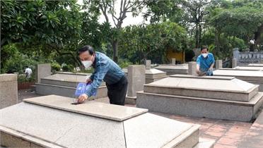 Đoàn công tác của Liên hiệp Các tổ chức hữu nghị tỉnh viếng nghĩa trang liệt sĩ quân tình nguyện Trung Quốc