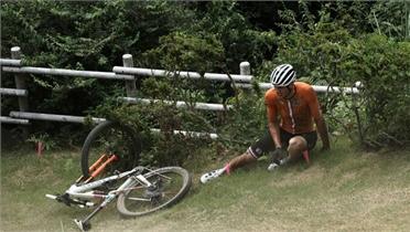 Cua-rơ vô địch thế giới gặp nạn ở Olympic