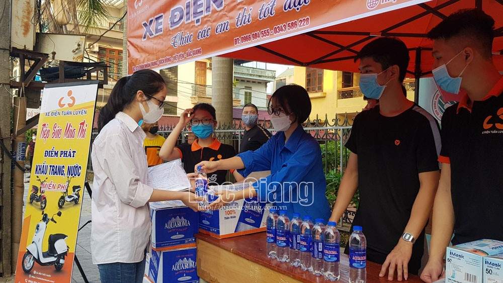 thi tuyển sinh lớp 10, Ngữ Văn, Tiếng Anh, Bắc Giang, giáo dục.