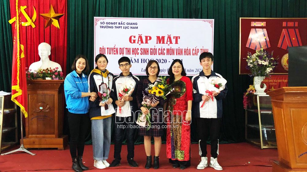 Bac Giang student scores highest in A1 group nationwide