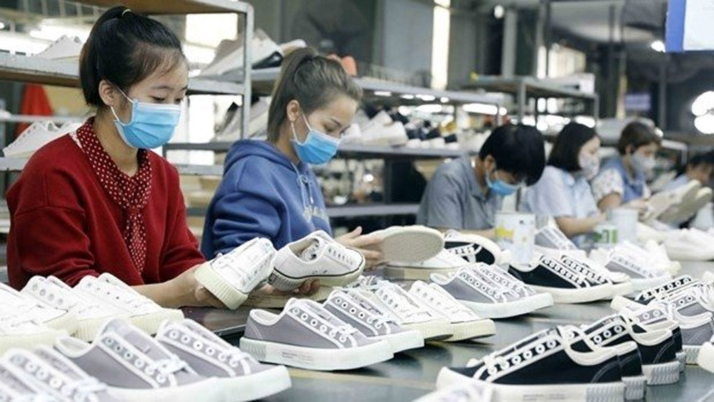 Vietnam, footwear exports, key products, strongest growth,  largest market, export turnover, Export revenues